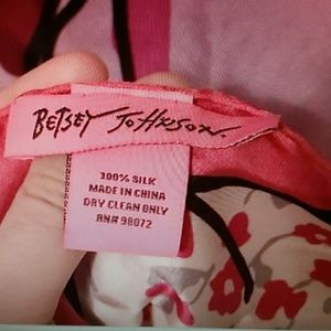Betsey Johnson Accessories - Silk key to my heart scarf